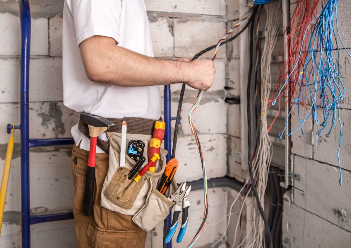 5 Common Electrical Problems In Construction